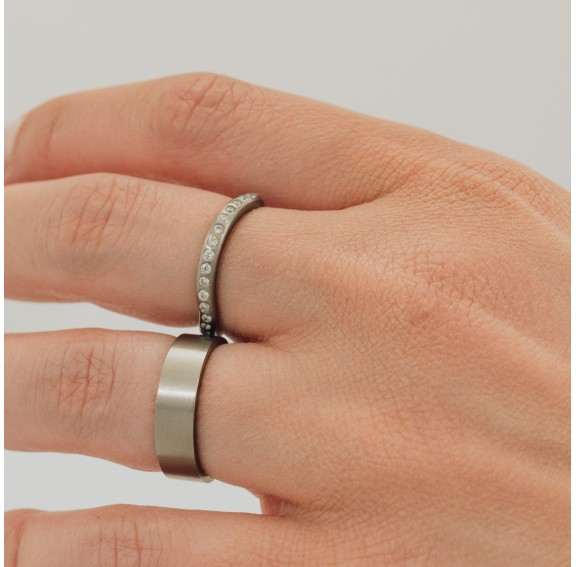 Rigel Curved Titanium Ring