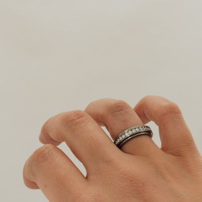 Rigel Spinning Titanium Ring